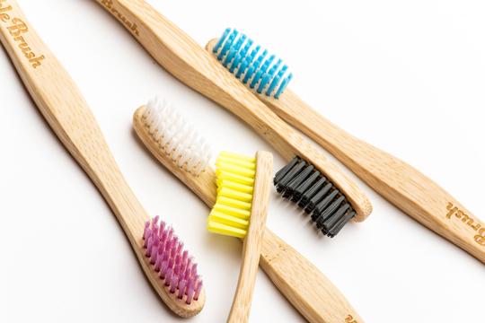 Humble Brush Zahnbürste mit Herz.